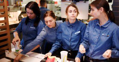 Украинский McDonald's будет кормить потребителей с помощью искусственного интеллекта