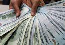 Експерт пояснив, чому після довгих вихідних так дешевшає долар