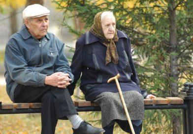 У МОЗ розповіли, людей якого віку найчастіше вражає COVID-19 (статистика)